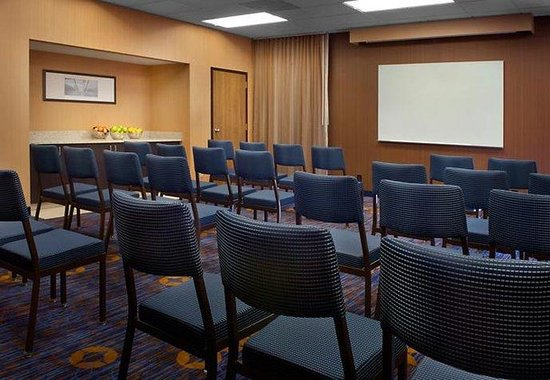 Courtyard by Marriott Fishkill: Meeting Room