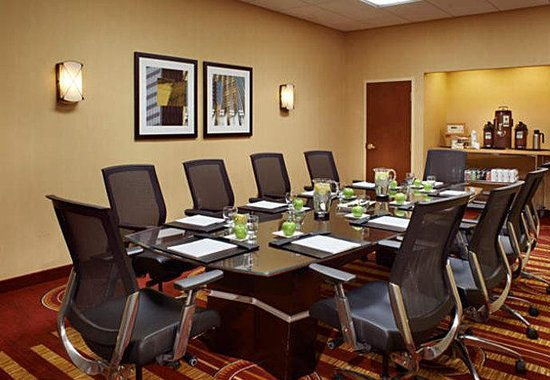 Courtyard by Marriott Chicago Downtown: State Street Boardroom