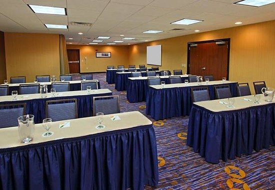 Mount Arlington, NJ: Meeting Room - Classroom Style