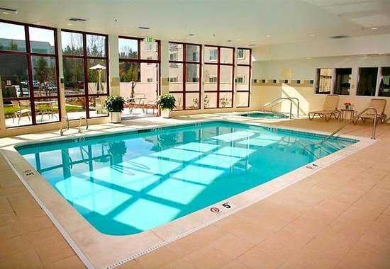 Kirkland, WA: Indoor Pool &amp; Spa