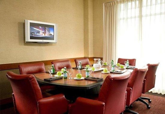 Courtyard by Marriott Burlington Harbor: Enterprise Boardroom