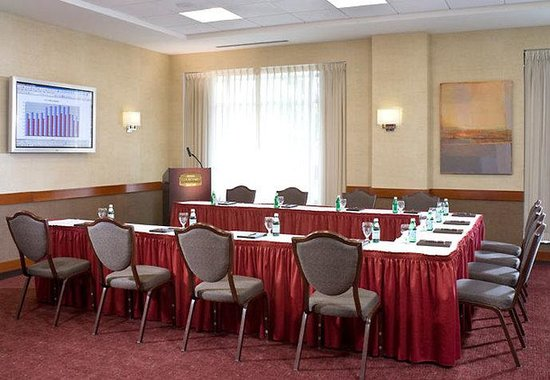 ‪‪Courtyard by Marriott Burlington Harbor‬: Independence Meeting Room‬