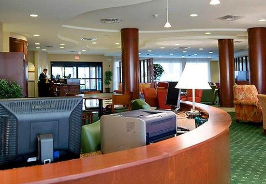 Courtyard by Marriott Memphis Southaven: Business Center