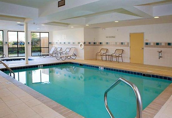 Courtyard by Marriott Memphis Southaven: Indoor Pool