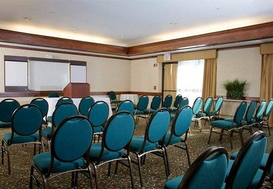 Brown Deer, WI: Executive Meeting Space