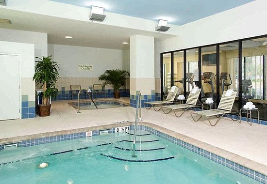 Courtyard by Marriott St. Petersburg Downtown: Indoor Pool & Fitness Center