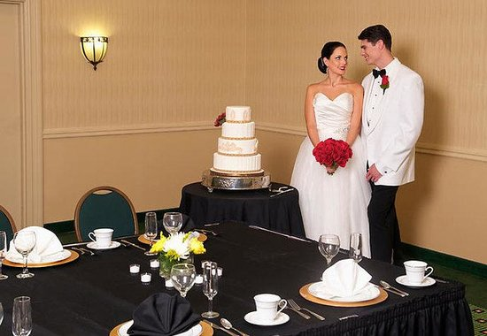 Courtyard by Marriott St. Petersburg Downtown: Wedding Reception