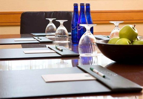 Courtyard by Marriott Oakland Emeryville: Meeting Room Set Up