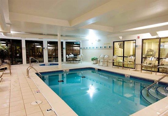 Courtyard by Marriott Missoula: Indoor Pool &amp; Spa