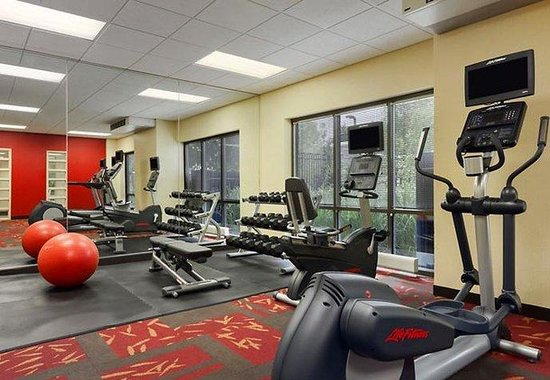 Courtyard by Marriott Lancaster: Fitness Center