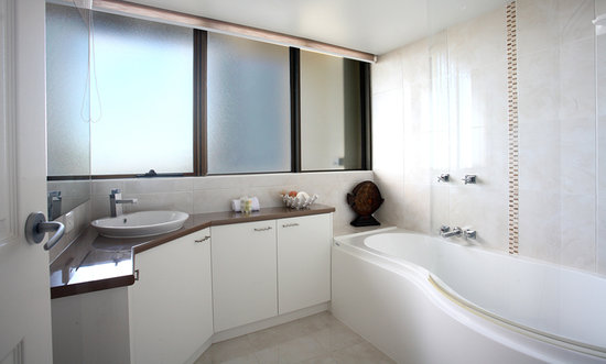 Caloundra, : Stylish bathroom