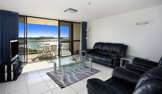 Caloundra, : Two Bedroom Ocean View Apartment