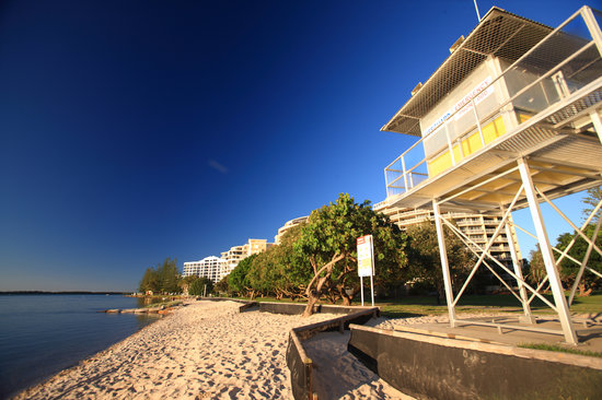 Caloundra, Australia: Flagged beach (school Holidays)