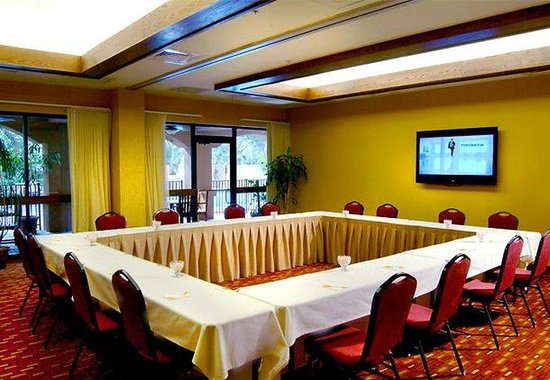 Courtyard Cocoa Beach: Hollow Square Meeting Room