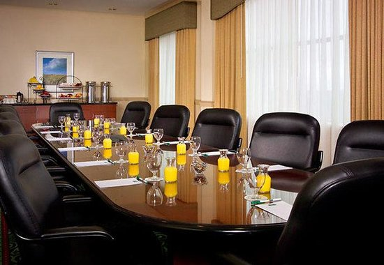 Courtyard by Marriott Long Island MacArthur Airport: The Peconic Boardroom