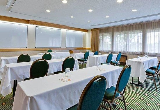 Fort Wayne, IN: Meeting Room