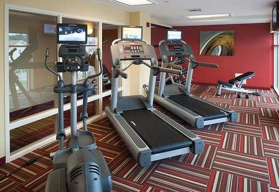 ‪‪Courtyard by Marriott Virginia Beach Oceanfront / N 37th St‬: Fitness Center‬