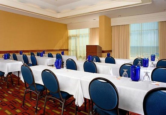 Courtyard by Marriott Virginia Beach Oceanfront / N 37th St: Meeting Room