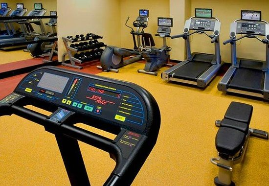 Elizabeth, NJ: Fitness Center