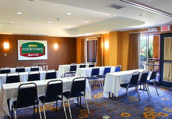 Courtyard by Marriott Anniston Oxford: Meeting Room – Classroom Set-Up
