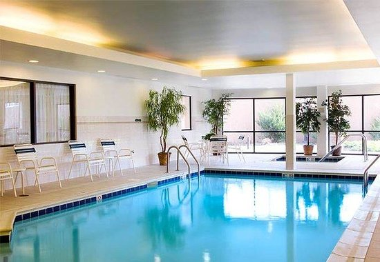 Courtyard by Marriott Philadelphia Langhorne: Indoor Pool
