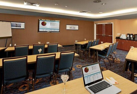 Courtyard by Marriott Portland Airport: Meeting Room