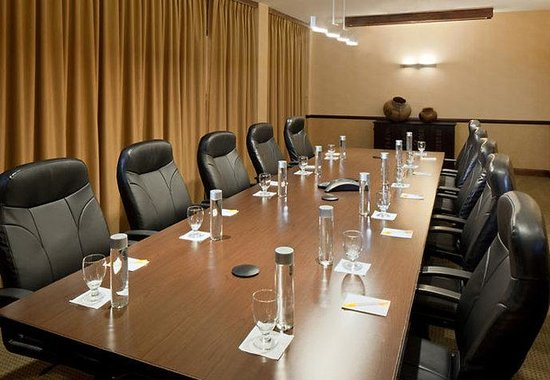 Courtyard by Marriott Santa Fe: Boardroom