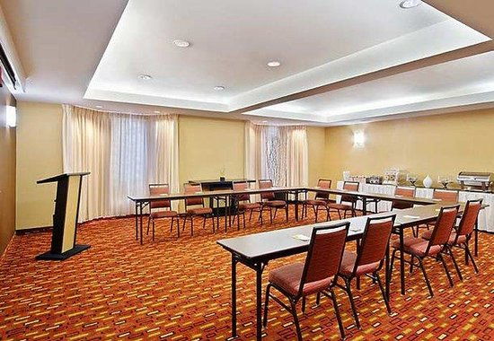 Courtyard by Marriott Sarasota Bradenton Airport: Meeting Room