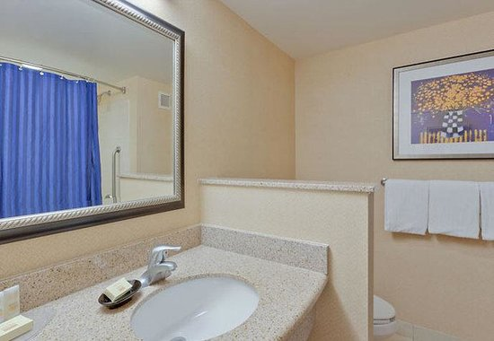 Malvern, PA: Guest Bathroom