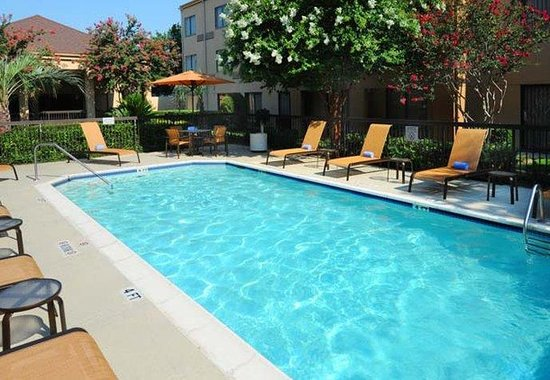 Courtyard by Marriott Houston Hobby Airport: Outdoor Pool