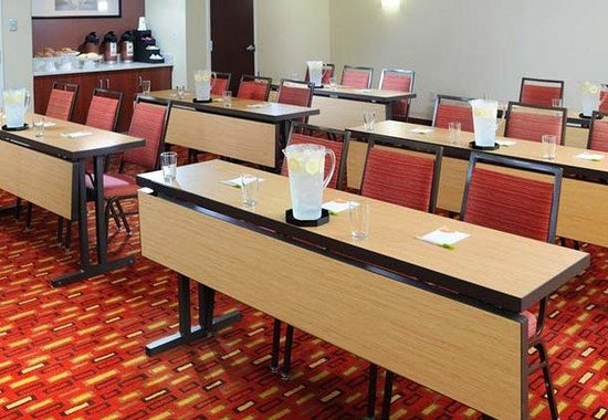 Courtyard by Marriott Houston Hobby Airport: Meeting Room