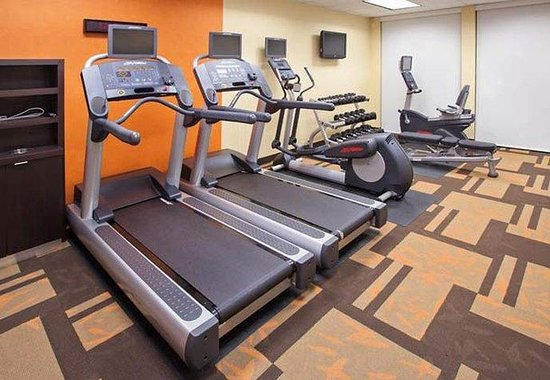 Courtyard by Marriott Louisvillle Northeast: Fitness Center