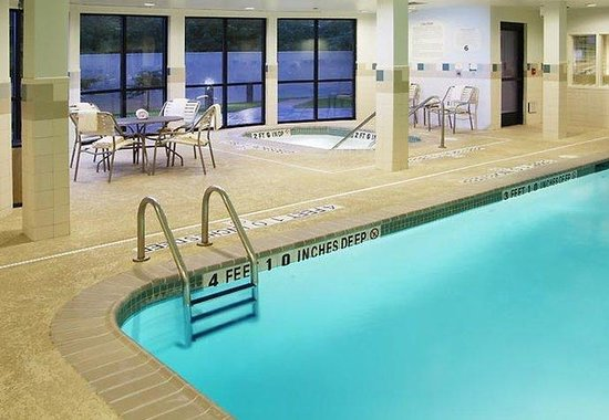 Kingston, Nueva York: Indoor Pool & Whirlpool