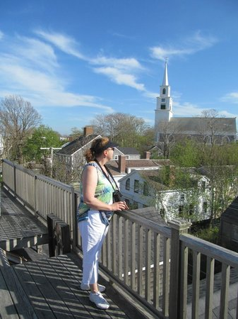 Martin House Inn: Widows walk on the roof