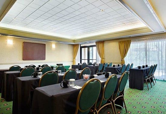 Courtyard by Marriott Grand Rapids Airport: Meeting Room
