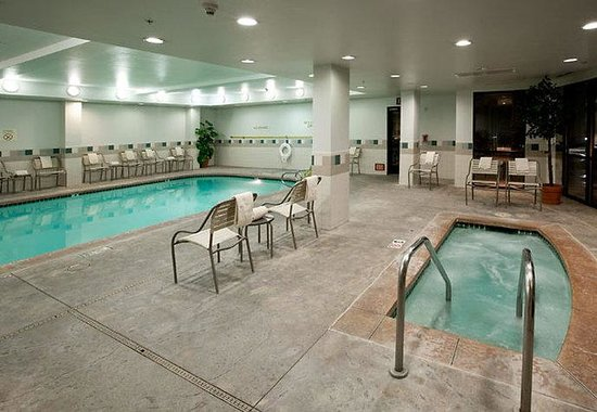 Rancho Cucamonga, Californië: Indoor Pool & Spa