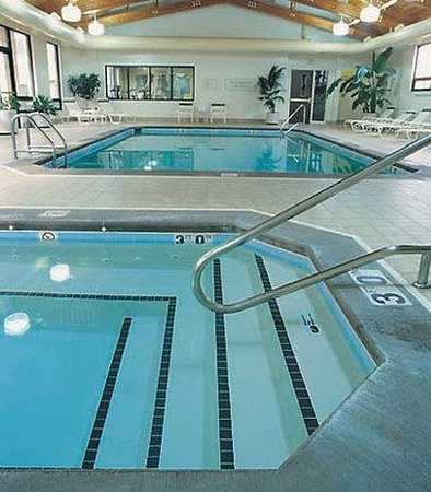 Courtyard by Marriott Anchorage Airport: Indoor Pool