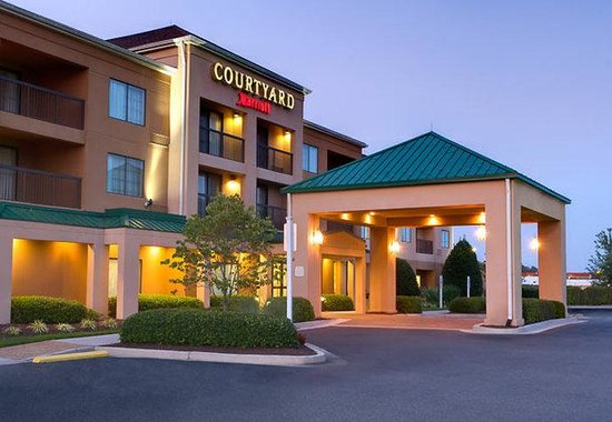 Courtyard by Marriott Richmond Airport: Exterior