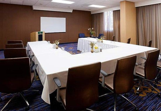 Cypress, CA: Meeting Room