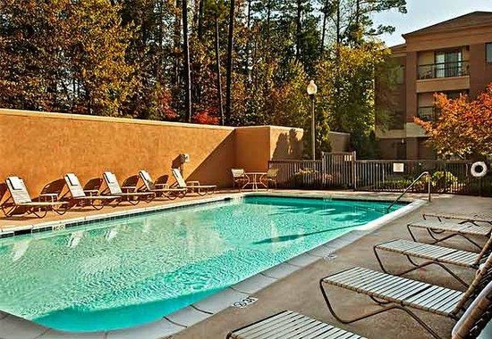 Courtyard by Marriott Durham Research Triangle Park: Outdoor Pool