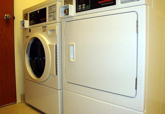 Fairfield Inn & Suites Bismarck South: Guest Laundry