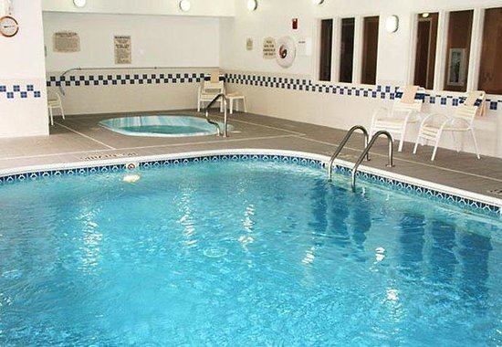 Fairfield Inn & Suites Bismarck South: Indoor Pool & Whirlpool