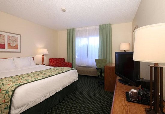 Fairfield Inn Bozeman: King Guest Room