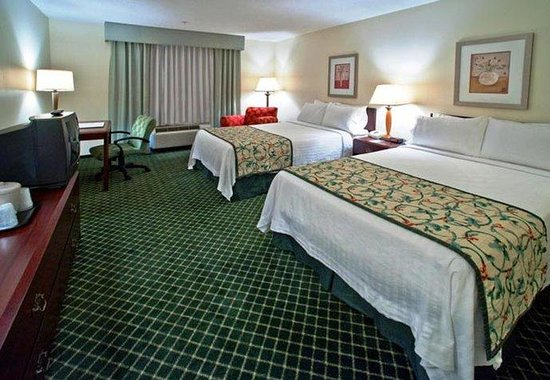 Fairfield Inn by Marriott Huntsville: Double/Double Guest Room