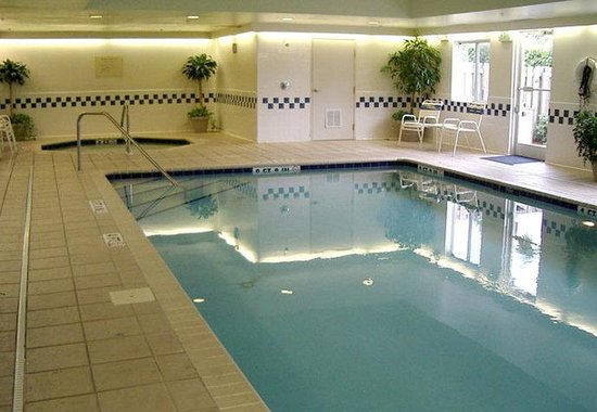 Fairfield Inn by Marriott Huntsville: Indoor Pool