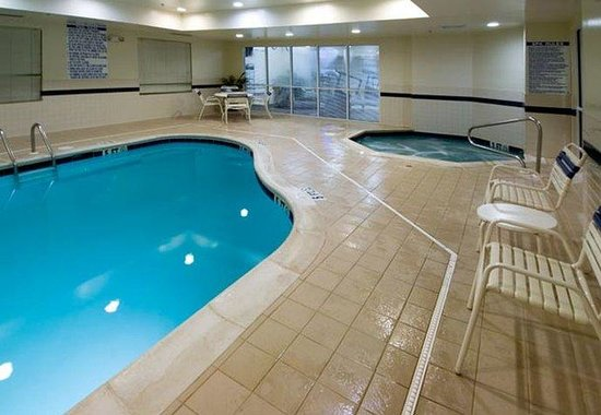 Columbus, GA: Indoor Pool &amp; Spa