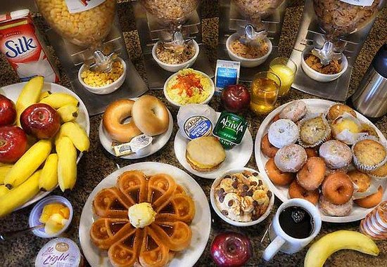 Fairfield Inn & Suites Wausau: Breakfast Selections