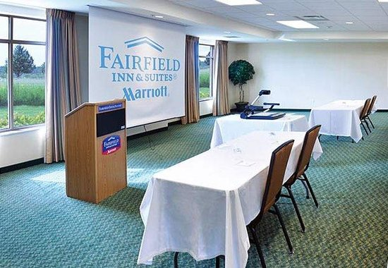 Fairfield Inn & Suites Wausau: Conference Room