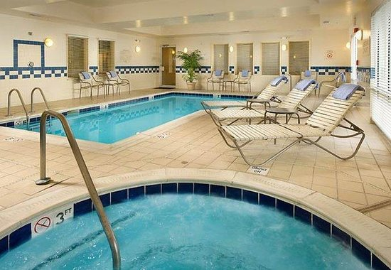 Germantown, MD: Indoor Pool &amp; Whirlpool