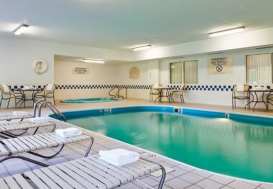 Valparaiso, IN: Indoor Pool